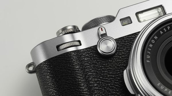 Für weitere Info hier klicken. Artikel: Fujifilm X100F silber-schwarz
