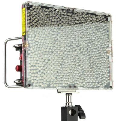 Für weitere Info hier klicken. Artikel: Aputure Amaran Tri-8S V-Mount LED-Flächenleuchte mit 7000 Lux Lichtleistung