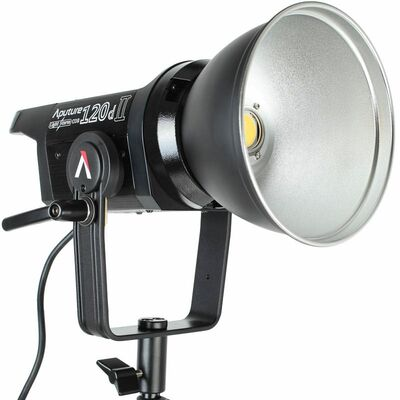Für weitere Info hier klicken. Artikel: Aputure Light Storm LS C120D II LED-Studioleuchte - 7.000 Lux (100 cm), CRI 96+