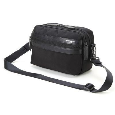 Für weitere Info hier klicken. Artikel: Artisan&Artist Schulter-Hüfttasche LNCAM-1000 schwarz