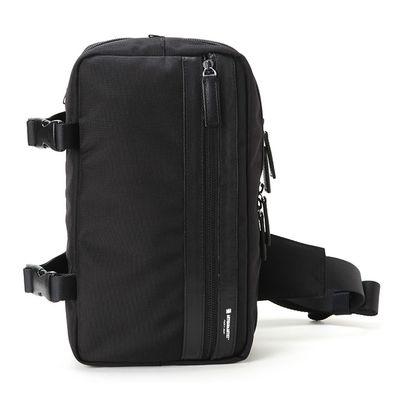 Für weitere Info hier klicken. Artikel: Artisan&Artist Slingtasche LNCAM-1500 schwarz