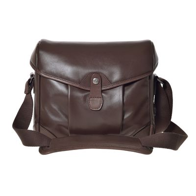 Für weitere Info hier klicken. Artikel: Barber Shop Small Messenger SmartBob dark brown leather