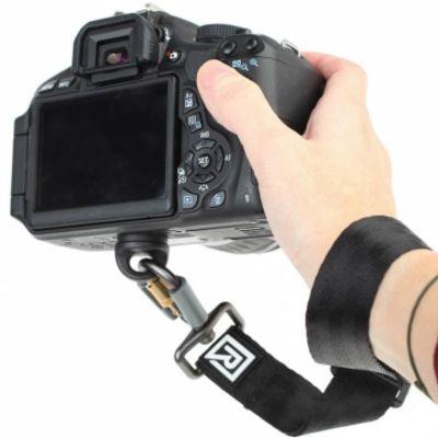 Für weitere Info hier klicken. Artikel: Blackrapid Wrist Strap Handgelenkschlaufe - kombinierbar mit R-Strap Kameragurt