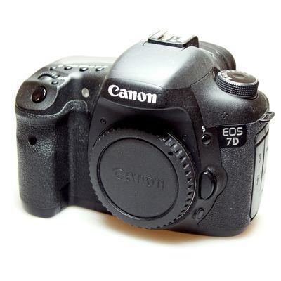 Für weitere Info hier klicken. Artikel: Canon EOS 7D Gehäuse -G-