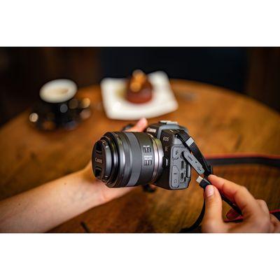 Für weitere Info hier klicken. Artikel: Canon EOS RP Gehäuse + Adapter EF-EOS R Canon RF
