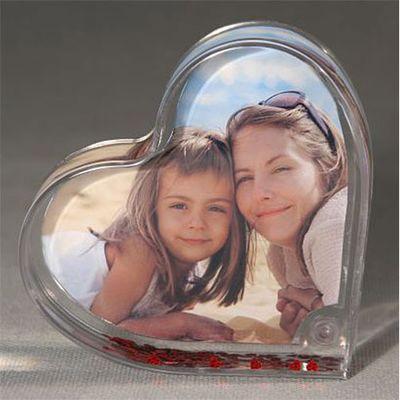 Für weitere Info hier klicken. Artikel: Euratio CPS Fotokugel Schüttelherz 9,5x10cm groß, gefüllt mit roten Herzen