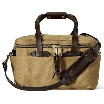Für weitere Info hier klicken. Artikel: Filson Compartment Bag Tan Small