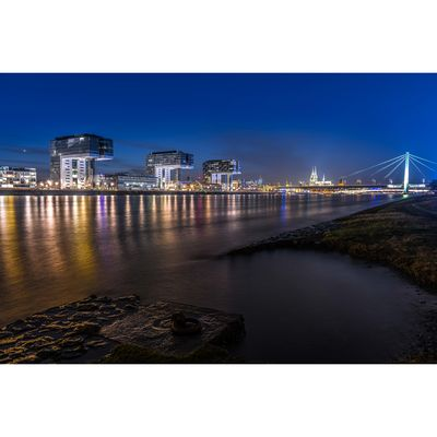 """Für weitere Info hier klicken. Artikel: """"around the bridge"""" Köln bei Dunkelheit 14.07.18"""