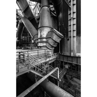 Für weitere Info hier klicken. Artikel: Menschen und Maschinen - Industriefotografie und Industriekultur in Duisburg 14.07.18