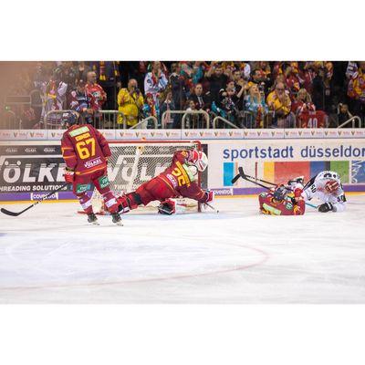 Für weitere Info hier klicken. Artikel: Sportfotografie bei der DEG 17.02.19