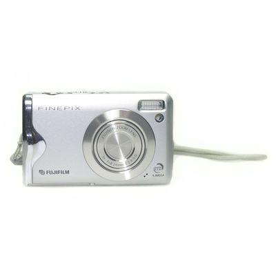 Für weitere Info hier klicken. Artikel: Fujifilm FinePix F20 -G- silber