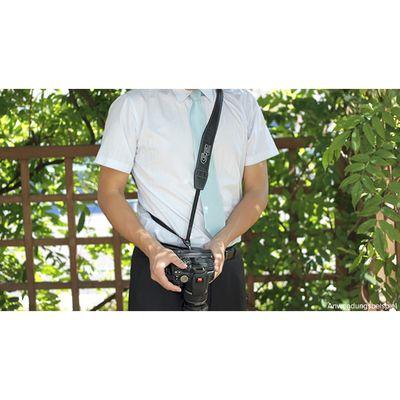 """Für weitere Info hier klicken. Artikel: Gariz GARIZ """"Gun-Shot"""" Karabiner-Haken XA-SH1-N für Schultergurte / Kamera-Trageriemen"""