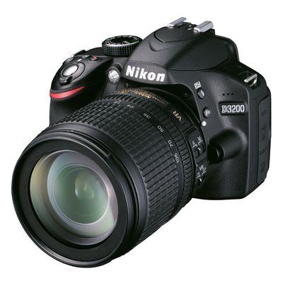 Für weitere Info hier klicken. Artikel: Nikon D3200,AF-S DX 18-105 VR schwarz