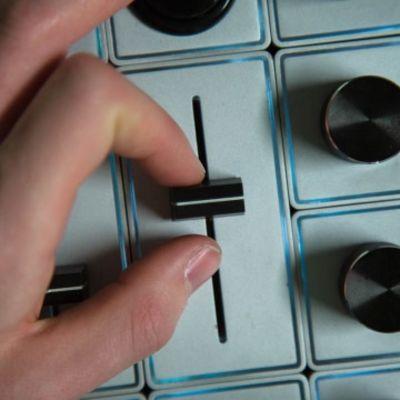 Für weitere Info hier klicken. Artikel: Palette Gear Slider Schieberegler-Modul zum Erweitern der Palette-Gear-Kits