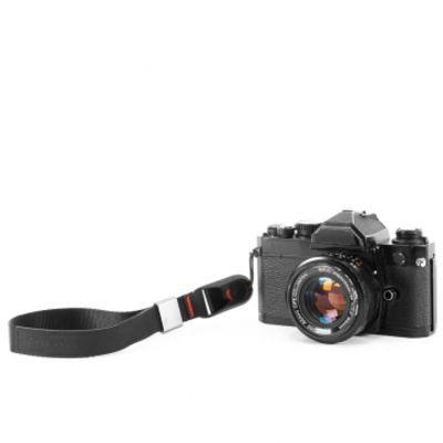 Für weitere Info hier klicken. Artikel: Peak Design Cuff Black Handschlaufe (Handgelenkschlaufe) - z.B. für DSLR-Kameras, Systemkameras oder Kompaktkameras