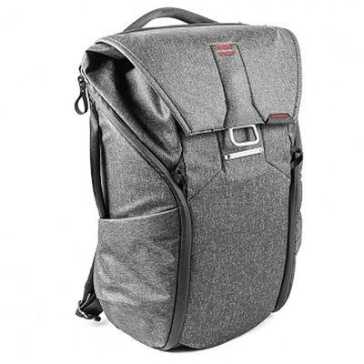 Für weitere Info hier klicken. Artikel: Peak Design Everyday Backpack 20L Charcoal Foto-Rucksack für DSLR- und DSLM-Kameras dunkelgrau