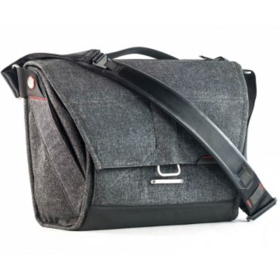 Für weitere Info hier klicken. Artikel: Peak Design Everyday Messenger Bag 13 Charcoal dunkelgrau