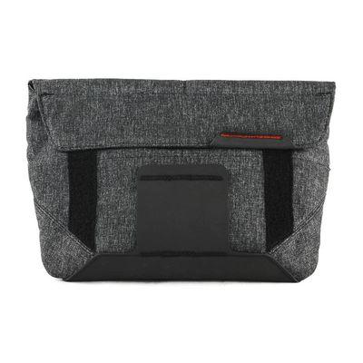 Für weitere Info hier klicken. Artikel: Peak Design Field Pouch Charcoal Zubehörtasche für Everyday Messenger Bag - auch als Gürteltasche / Umhängetasche für DSLM-Kamera nutzbar (dunkelgrau)