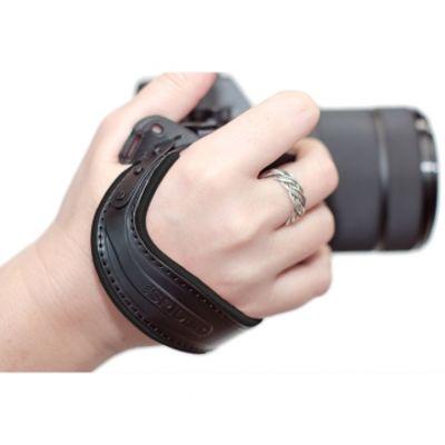 Für weitere Info hier klicken. Artikel: Spider Light Hand Strap Handschlaufe schwarz