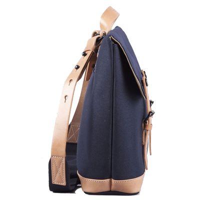 Für weitere Info hier klicken. Artikel: ZKIN Tasche Raw Hamsa Leder und spritzwasserfestes Nylon marine