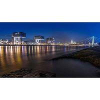 """Für weitere Info hier klicken. Artikel: """"around the bridge"""" Köln bei Dunkelheit 30.05.20"""