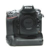 Für weitere Info hier klicken. Artikel: Nikon D800 Gehäuse mit MB-D12 Griff 5499 Auslösungen -Second Hand-