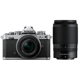 Für weitere Info hier klicken. Artikel: Nikon Z fc + Nikkor Z DX 16-50mm f/3,5-6,3 VR + Nikkor Z DX 50-250mm f/4,5-6,3 VR Doppelzoomkit