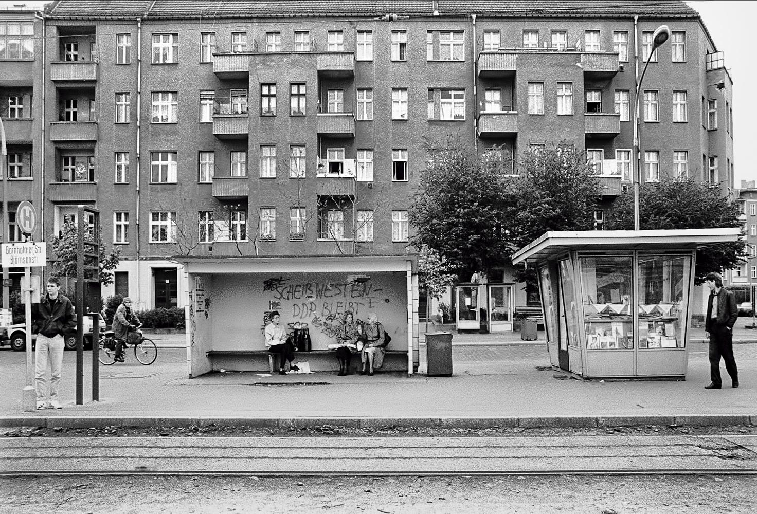 Bahn-Haltestelle