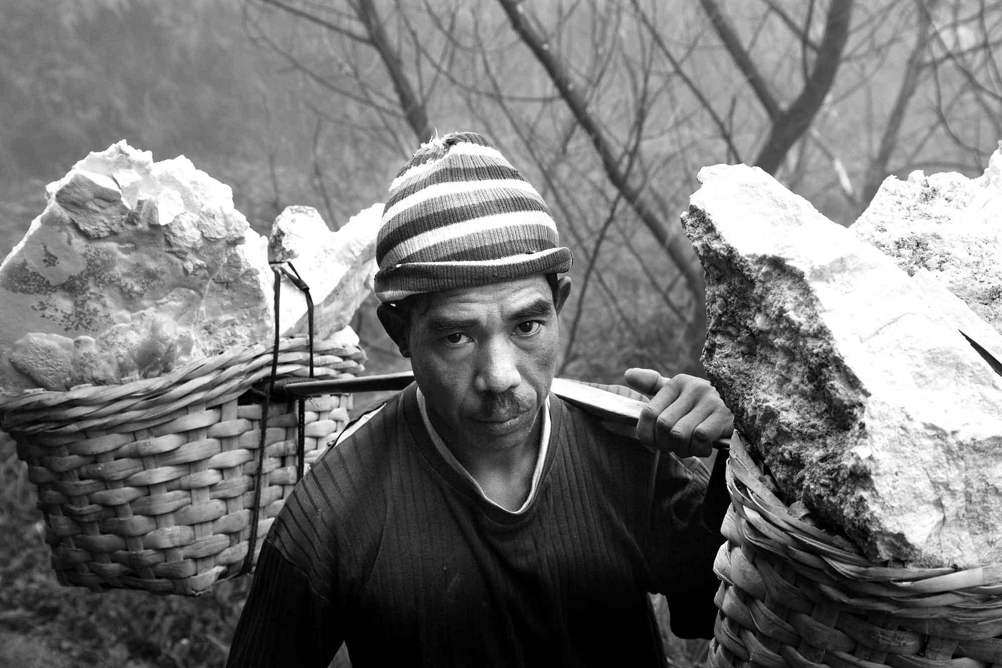 Portrait Arbeiter Mount Ijen