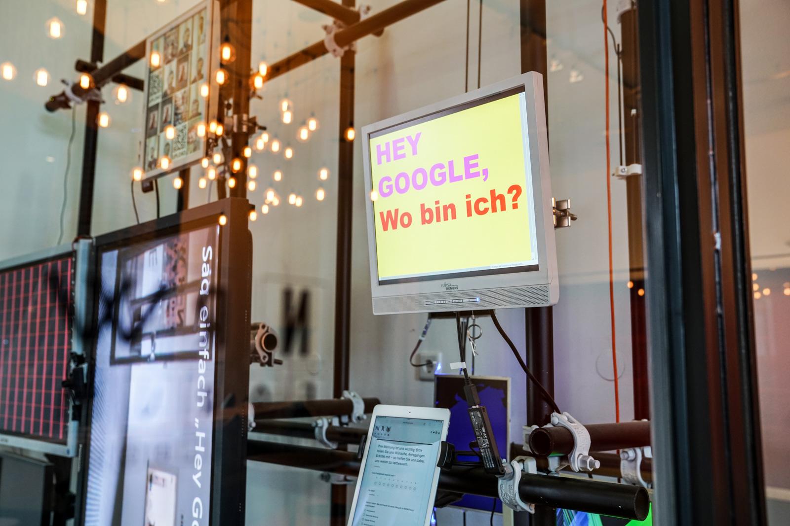 Im Zweifel für den Zweifel: Die große Weltverschwörung - Ausstellung im NRW Forum