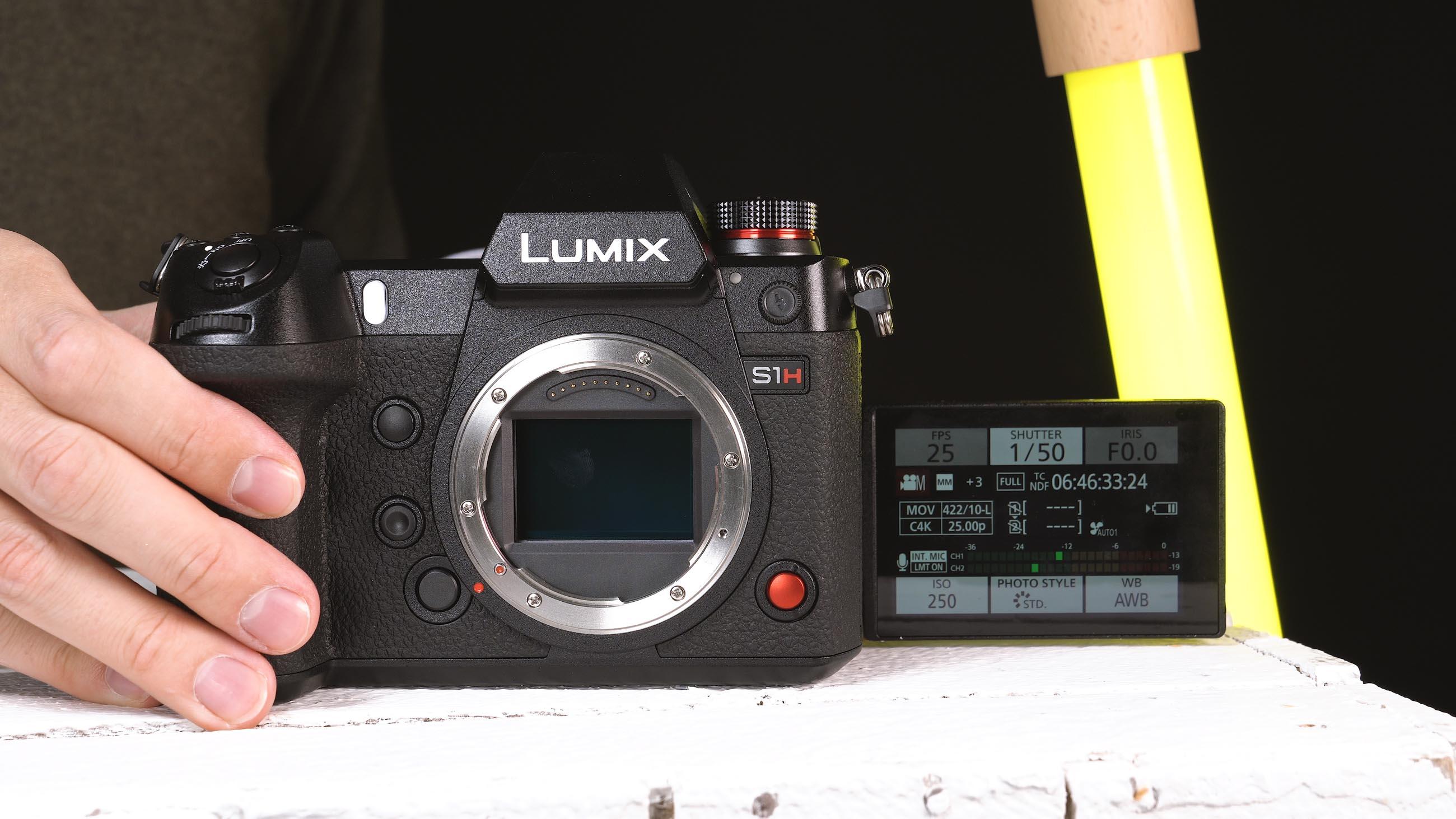 Touch und Schwenkdisplay der Lumix S1H