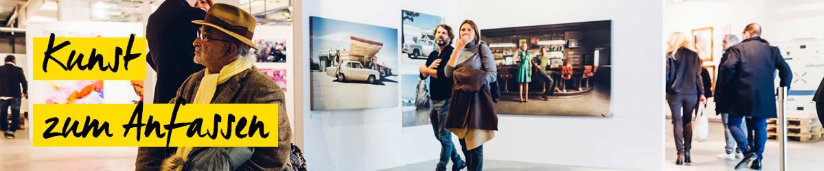 erste Besucher der Photo Popup Fair in Düsseldorf