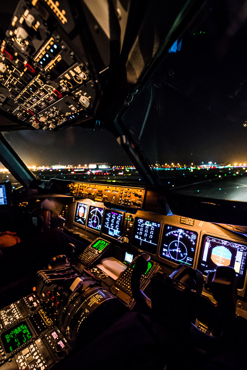 Schnappschuss 53 - Aviation Photography - Cockpit McDonnell Douglas MD-11
