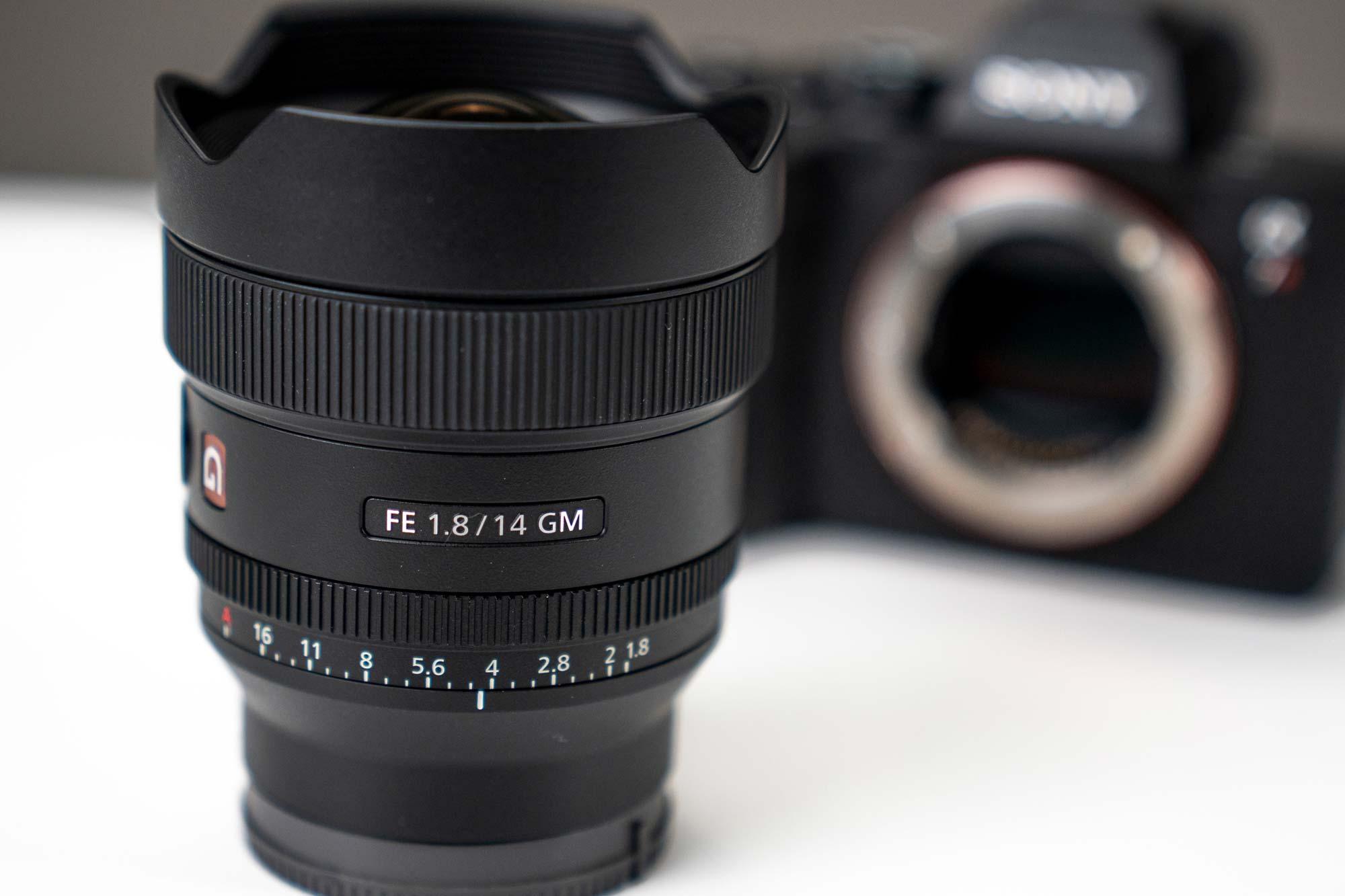 Sony G-Master 14mm f/1.8