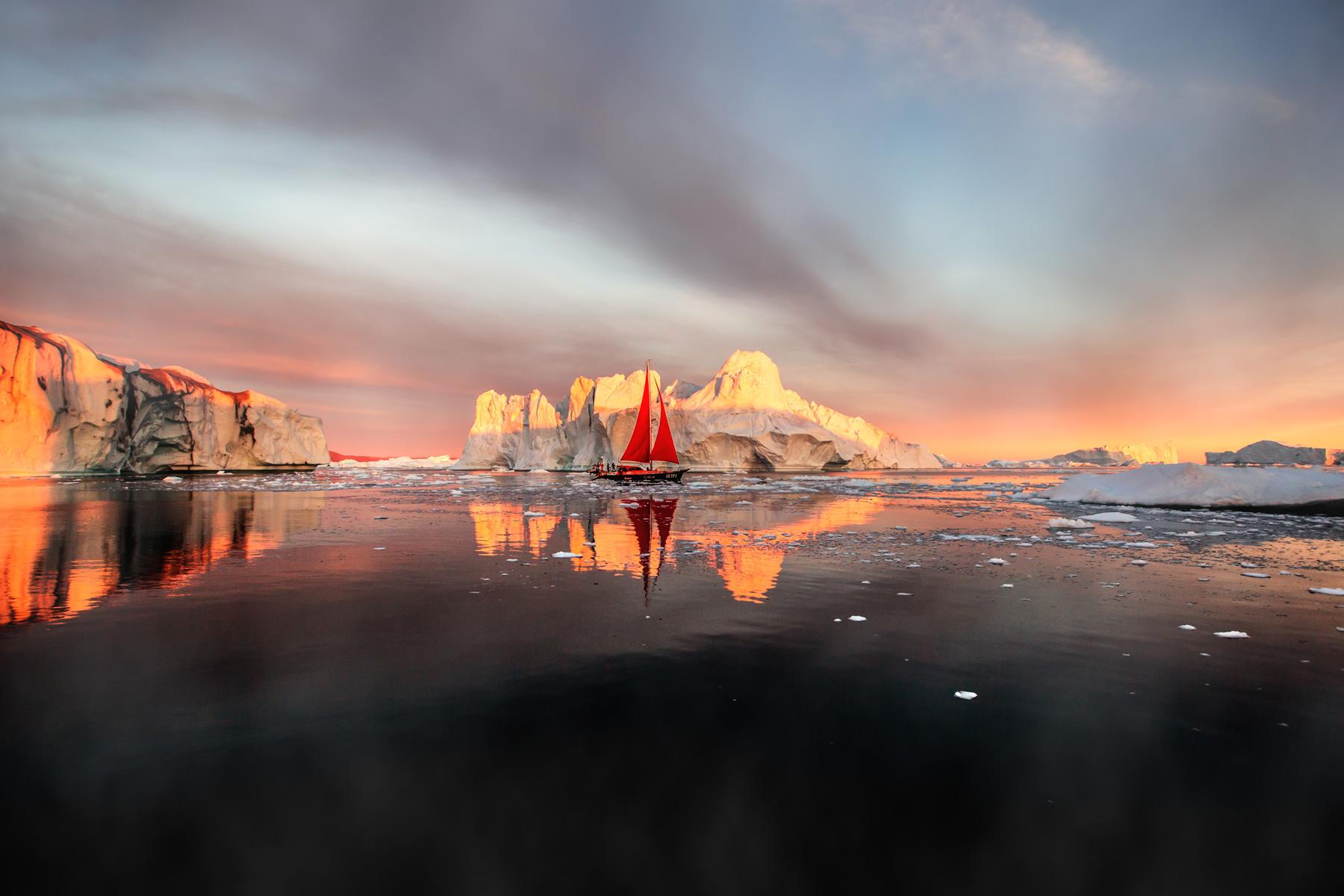 Grönland Segelboot im Sonnenuntergang Eisberg