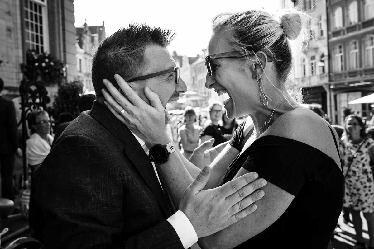yves-schepers-sony-alpha-9-newly-weds-embrace-each-other-with-glee-after-the-ceremony-web